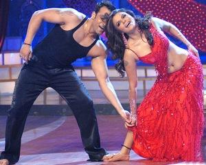 Week 4 of Nach Baliye 3 – Pooja and Rakhi were Hot!